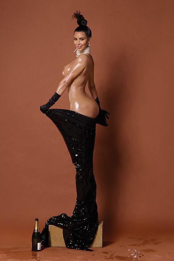Ким Кардашян голые сиськи